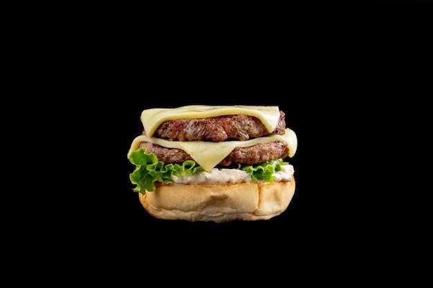 Gustoso hamburger fatto in casa. burger isolato