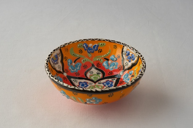 Piatto dipinto tradizionale tartaro. souvenir kazan.