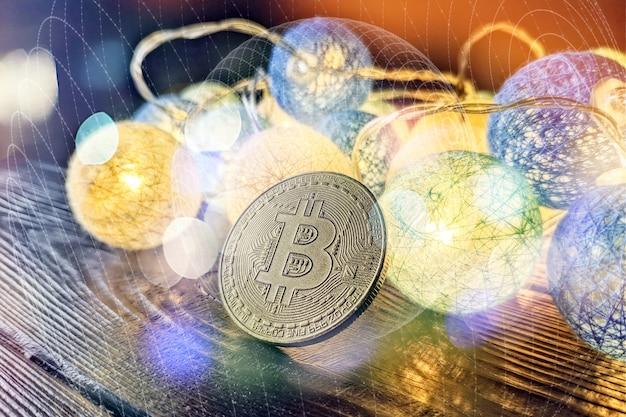 Grafico tecnico di bitcoin nel concetto futuristico. bitcoin dorati in piedi sul circuito, concetto di criptovaluta.