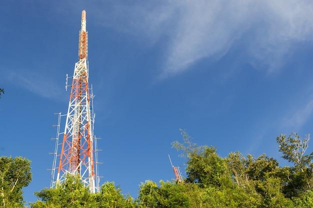Tecnologia wireless per antenne tv da palo per telecomunicazioni