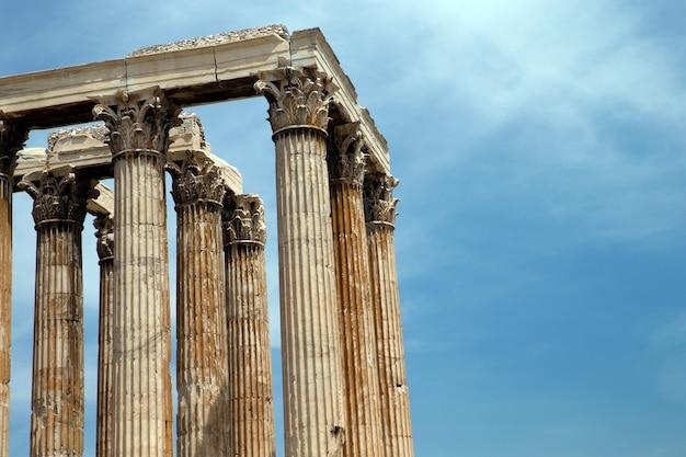 Tempio di zeus olimpio, atene, grecia.