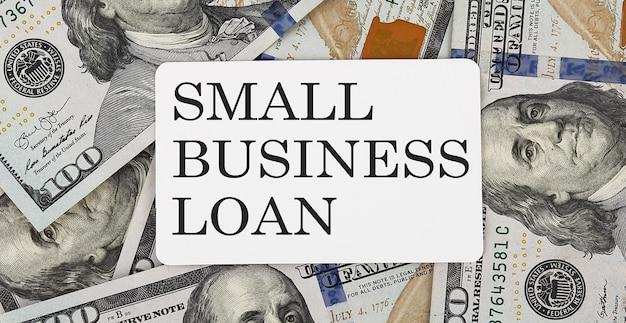 Testo piccolo prestito commerciale sui dollari
