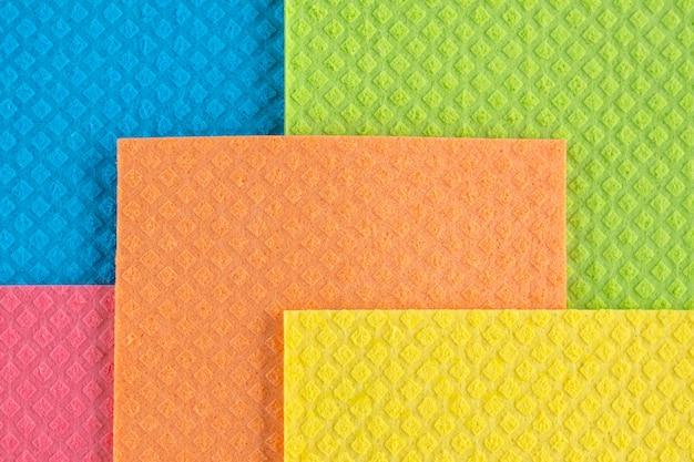 Tessuto di colore arcobaleno. motivo quadrato di tessuto colorato.