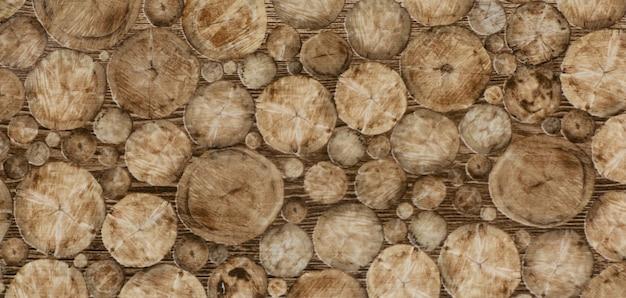 Tessitura delle piastrelle della cucina con un vecchio motivo astratto in legno marrone