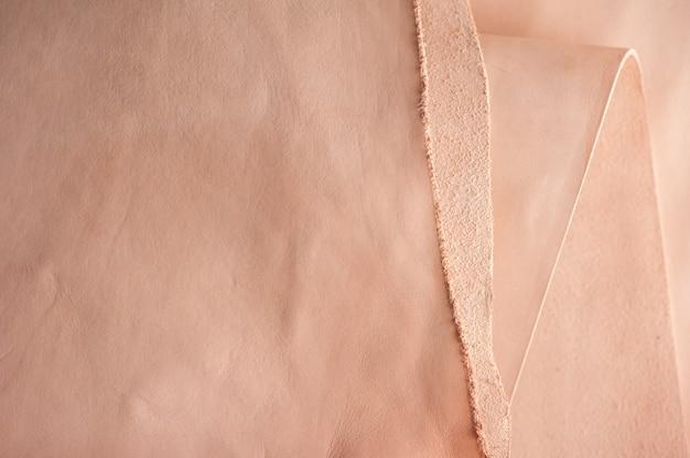 Texture di pelle conciata al vegetale, materia prima per la lavorazione della pelle