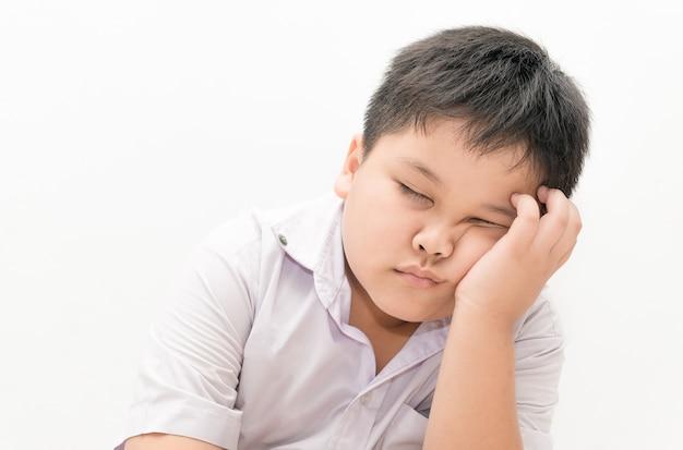 Studente ragazzo thailandese assonnato