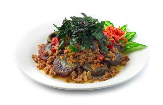 Thai food stirfried conserve eggs century egg con carne di maiale