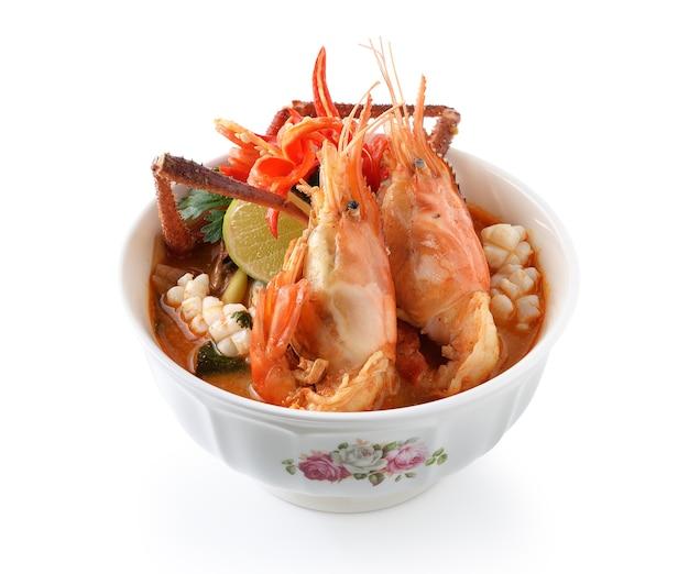 Cibo tailandese tom yum goong