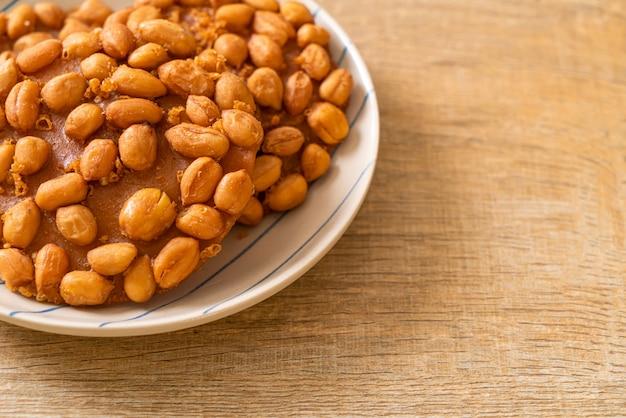 Biscotti di arachidi fritti tailandesi