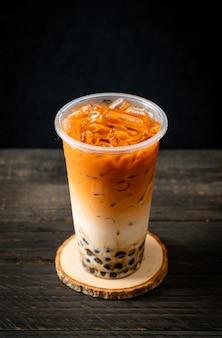 Tè al latte tailandese con bollicine di zucchero di canna