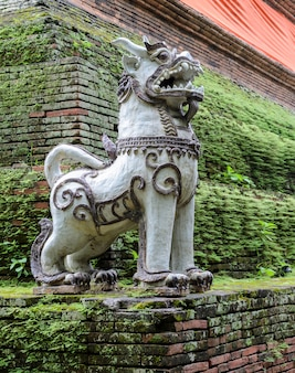 Thai singha (leone) guardiano