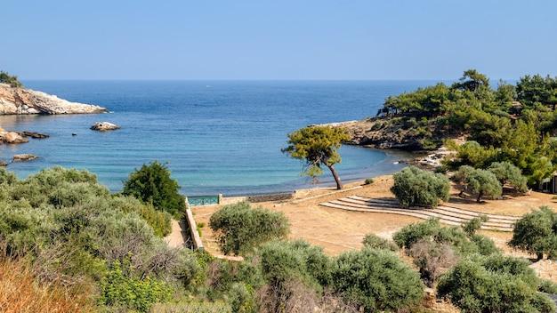 Isola di thassos grecia piccola spiaggia aliki famoso sito archeologico vacanze estive vacanze