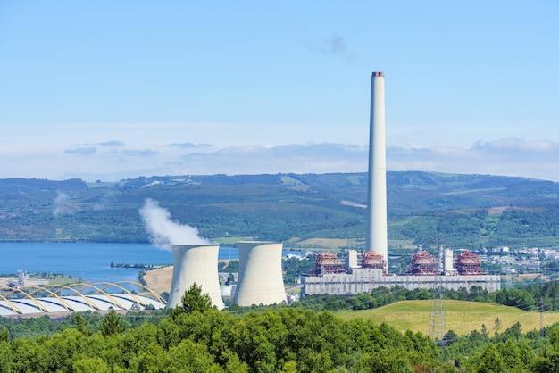 Centrale termica per la produzione di energia elettrica in ambiente naturale