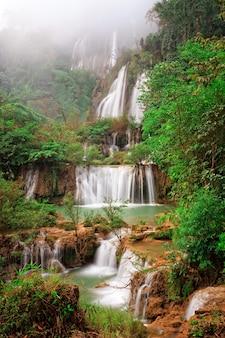 Thi lo su, la cascata più grande di thialand