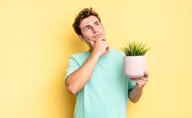 Pensare, sentirsi dubbiosi e confusi, con diverse opzioni, chiedendosi quale decisione prendere. concetto di pianta decorativa
