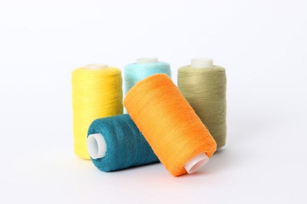 Fili per cucito e cucito accessori per cucire in primo piano