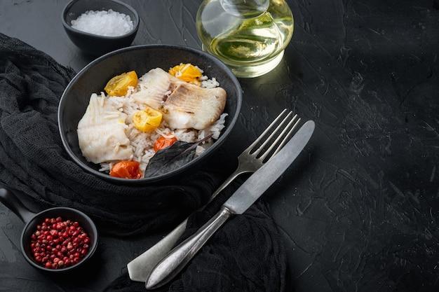 Pesce tilapia con riso basmati e pomodorini, in ciotola