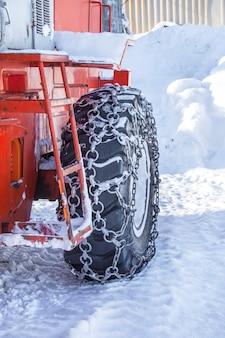 Macchine per pneumatici per la rimozione della neve in kamchatka