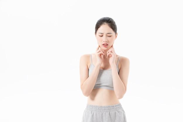 L'aura stanca di una giovane donna che fa esercizio