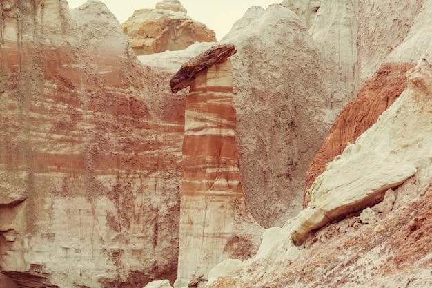 Hoodoos toadstool nel deserto dello utah, usa.