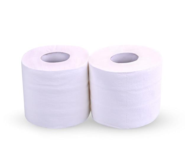 Rotolo di carta igienica isolato su priorità bassa bianca; due rotoli di carta velina per pulire.