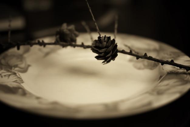 Forchetta tonica in lamiera monocromatica
