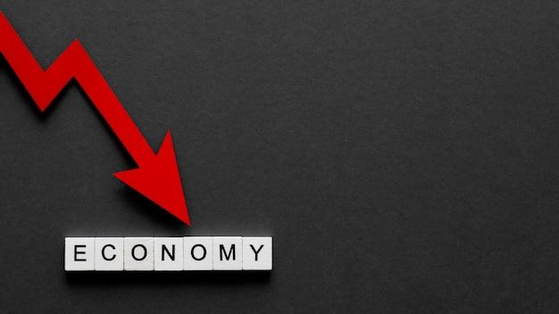 Composizione astratta vista dall'alto della crisi finanziaria con lo spazio della copia
