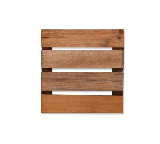 Vista dall'alto chiuso sottobicchiere in legno con struttura ad albero isolato e sfondo bianco con tracciato di ritaglio