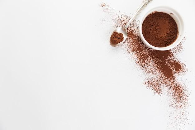 Vista dall'alto in polvere di cacao