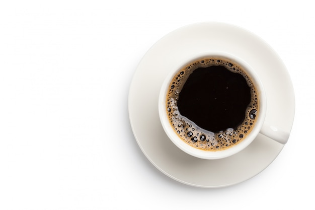 Vista dall'alto di caffè nero in tazza isolata