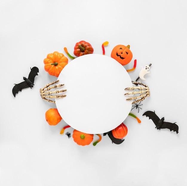 Vista dall'alto raccolta di elementi di halloween
