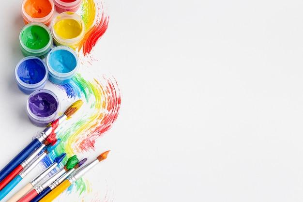 Vista dall'alto dell'acquerello colorato con spazio di copia