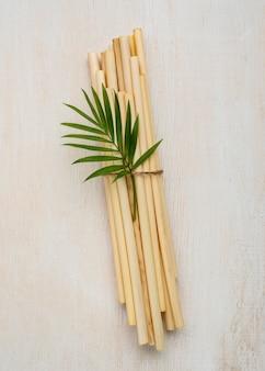 Cannucce in tubo di bambù ecologico con vista dall'alto