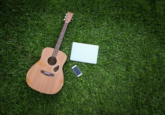 Vista dall'alto piatta composizione di chitarra