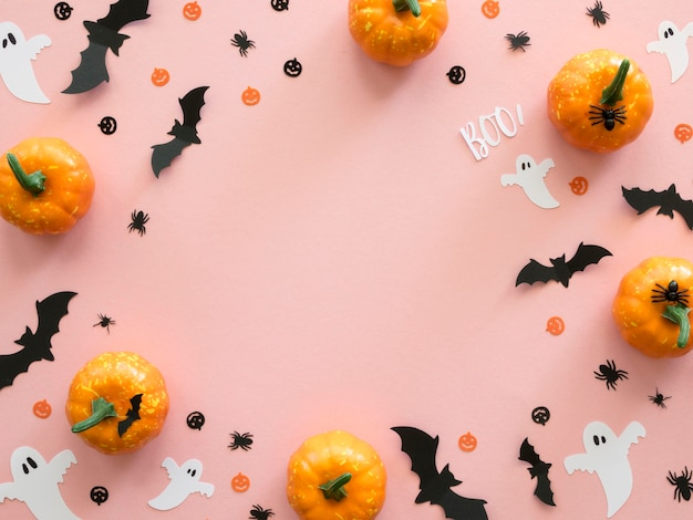 Elementi di halloween vista dall'alto con lo spazio della copia