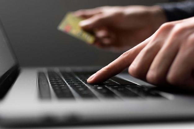 Concetto di shopping online vista dall'alto