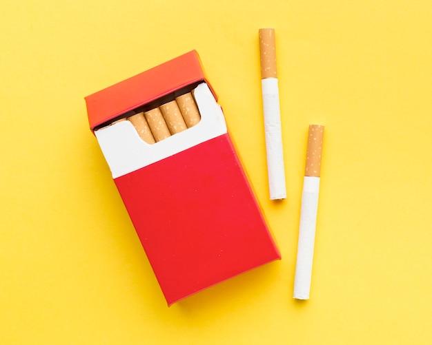 Vista dall'alto pacchetto di sigarette