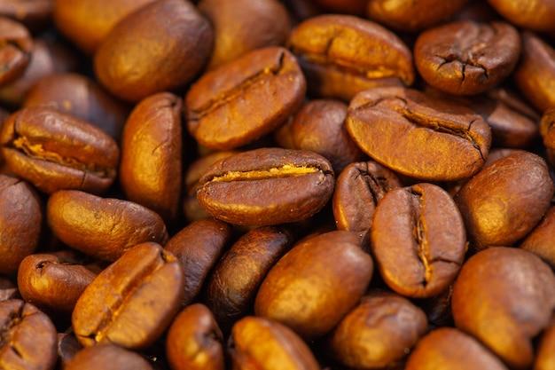 Vista dall'alto chicchi di caffè tostati