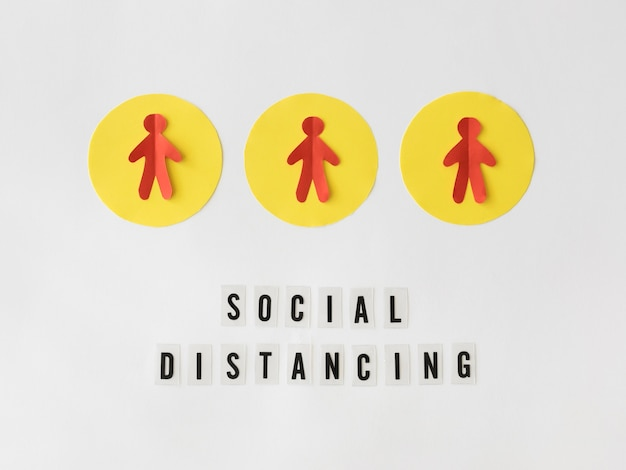 Vista dall'alto del concetto di allontanamento sociale