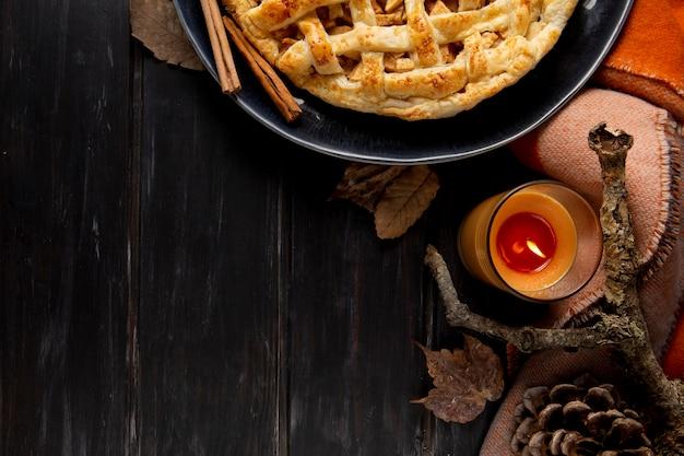 Assortimento di bordi per alimenti del ringraziamento vista dall'alto con spazio di copia