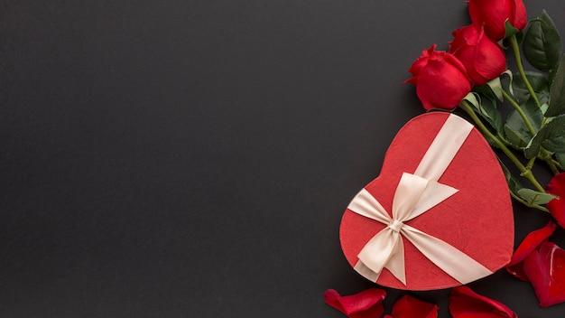 Vista dall'alto del concetto di san valentino con copia spazio