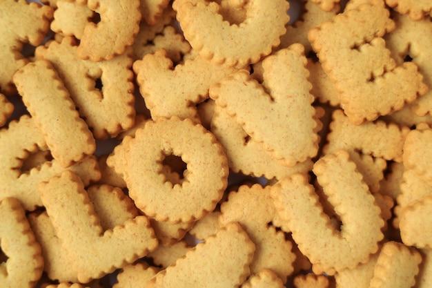 Vista dall'alto della parola ti amo scritto con biscotti alfabeto
