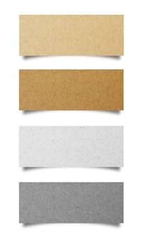 Carta strappata isolato su sfondo bianco