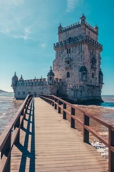 Torre de belem in portogallo con fiume