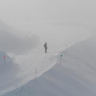 Snowboard turistico, whistler, british columbia, canada