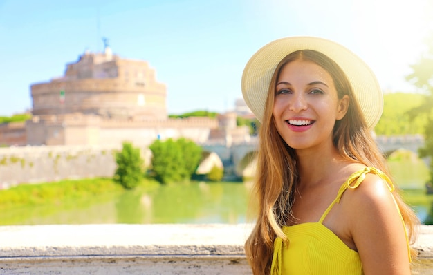 Donna turistica a roma, italia