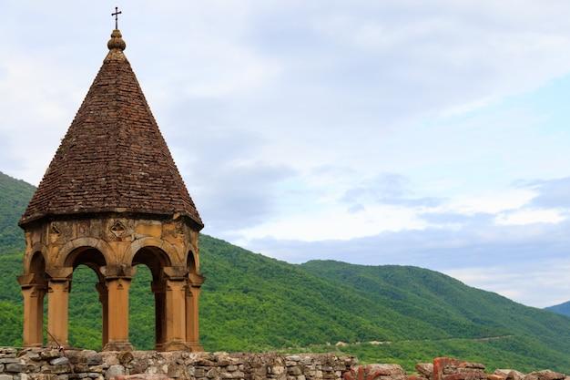 Torre della fortezza di ananuri in georgia