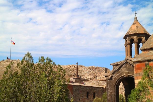 Torre della chiesa della santa madre di dio nel monastero di khor virap provincia di ararat armenia