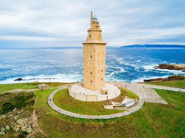 La torre di ercole o torre de ercole è un antico faro romano a a coruña in galizia, spagna