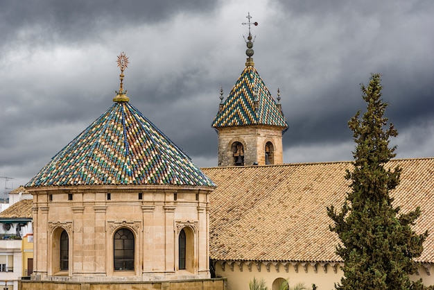 Torri della chiesa di lucena in provincia di cordoba